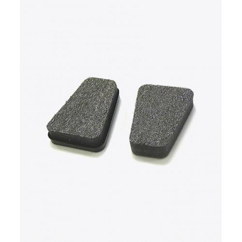 Губка для чищення скла в каміні